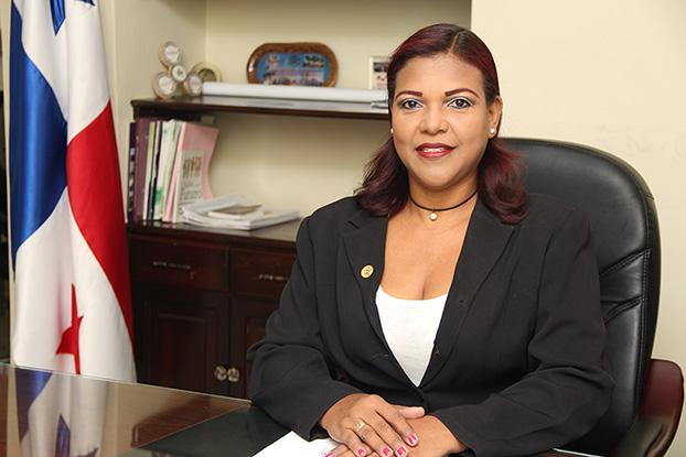 Licenciada Martila Zamora - Secretaria Académica